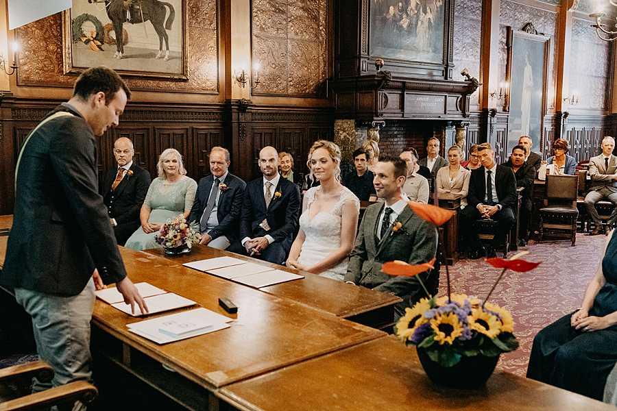 Stadhuis Hasselt bruidspaar trouwzaal