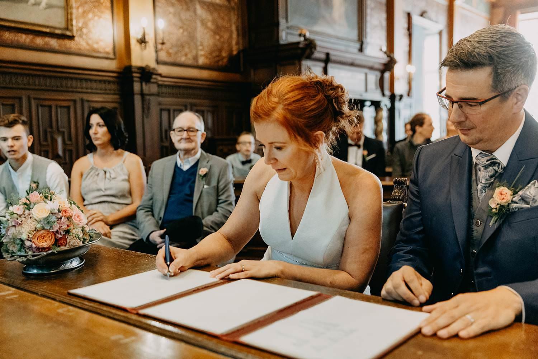 Stadhuis Hasselt huwelijk tekenen wettelijk huwelijk