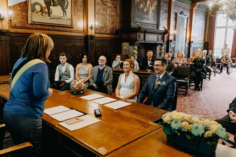 Stadhuis Hasselt huwelijk trouwzaal bruidspaar