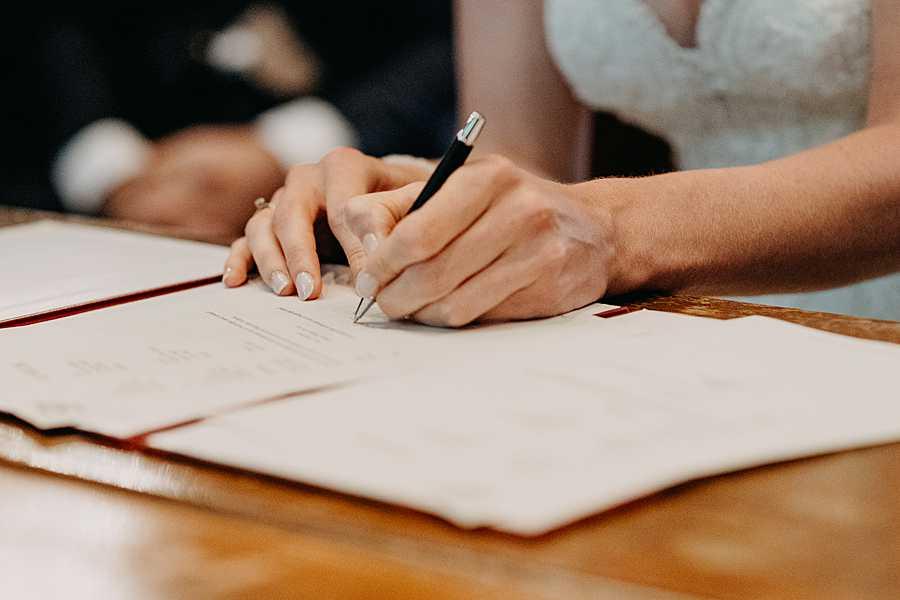 Stadhuis Hasselt trouwzaal tekenen huwelijk