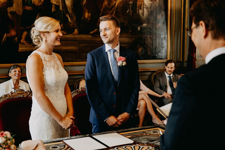 Stadhuis Leuven bruidspaar staat recht