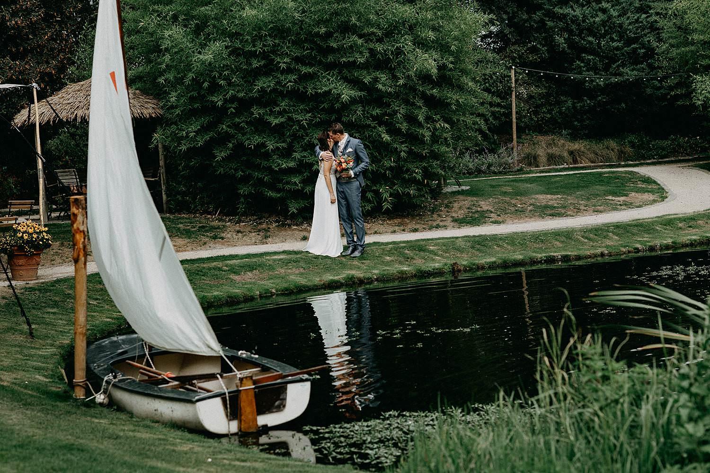 't Driessent huwelijk koppel aan vijver