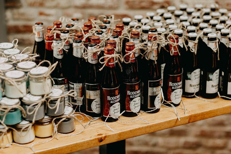 Ter Eeste feestzaal Rodenbach bierflesjes