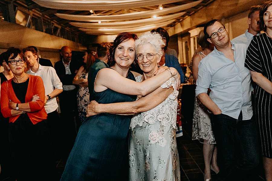 huwelijk dansfeest ouders