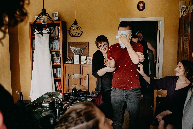Zepperen huwelijk first look bruidegom