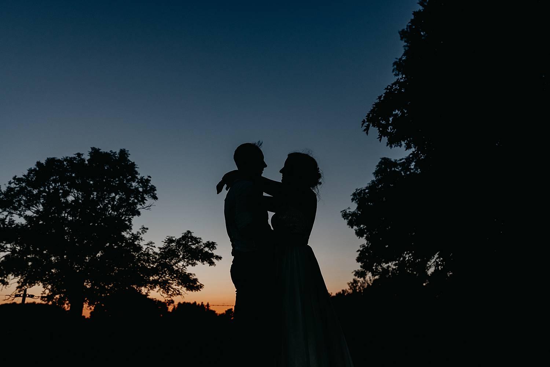 silhouet bruidspaar huis van Mihr