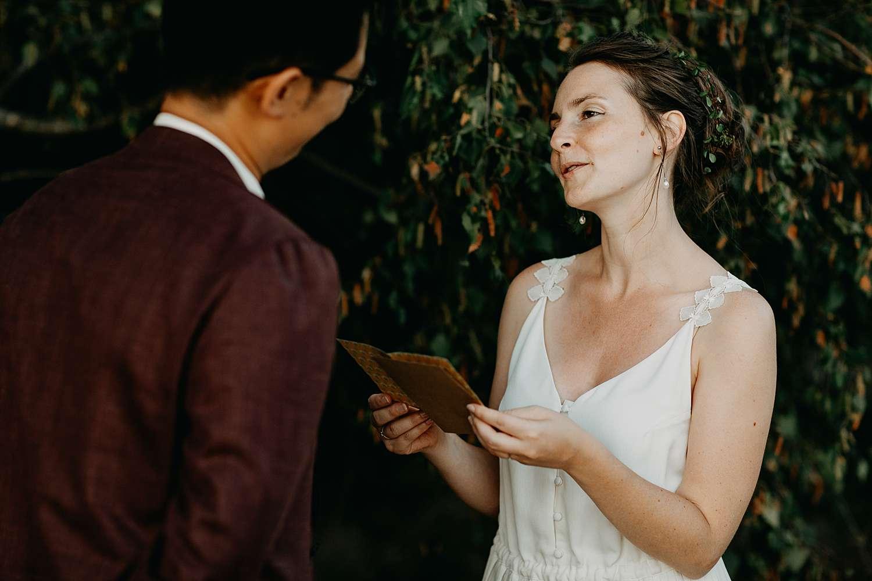 bruid leest huwelijksaanzoek De Teut Zonhoven