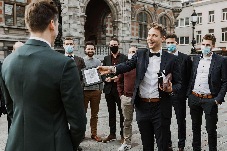 Districtshuis Borgerhout bruidegom krijgt cadeau