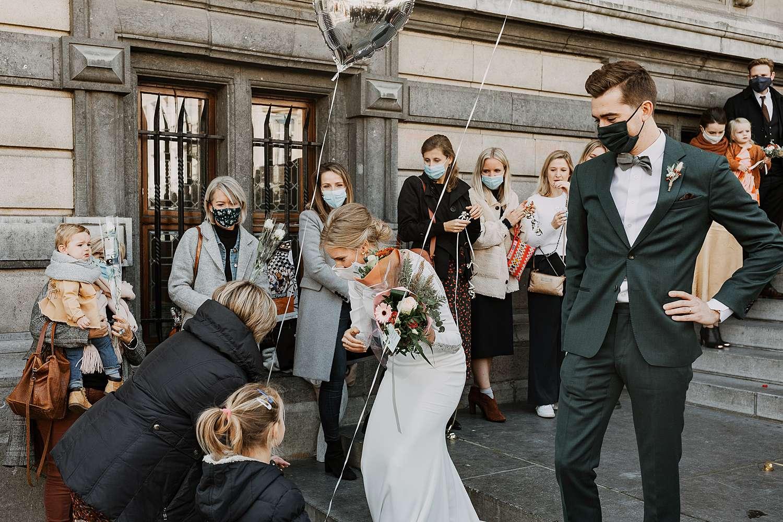 Districtshuis Borgerhout bruidspaar met ballon