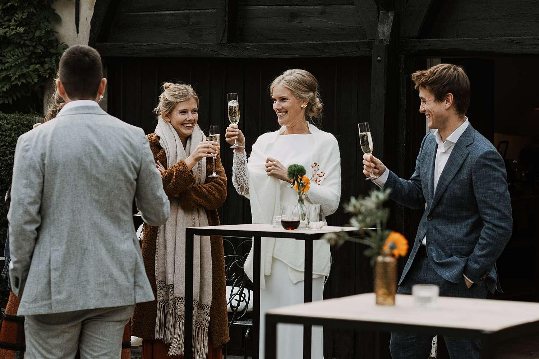 Flinckheuvel Schilde bruidspaar toast gasten