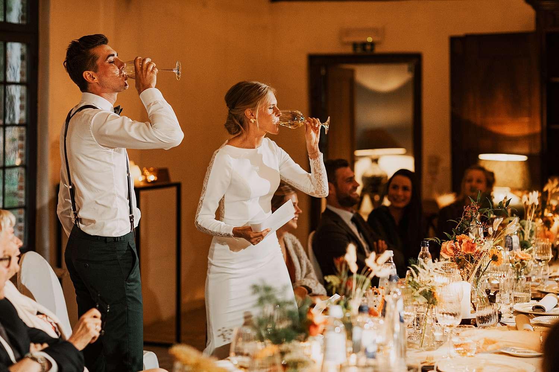 Flinckheuvel Schilde feestzaal bruidspaar drinkt wijn