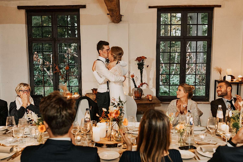 Flinckheuvel Schilde feestzaal bruidspaar kust in feestzaal