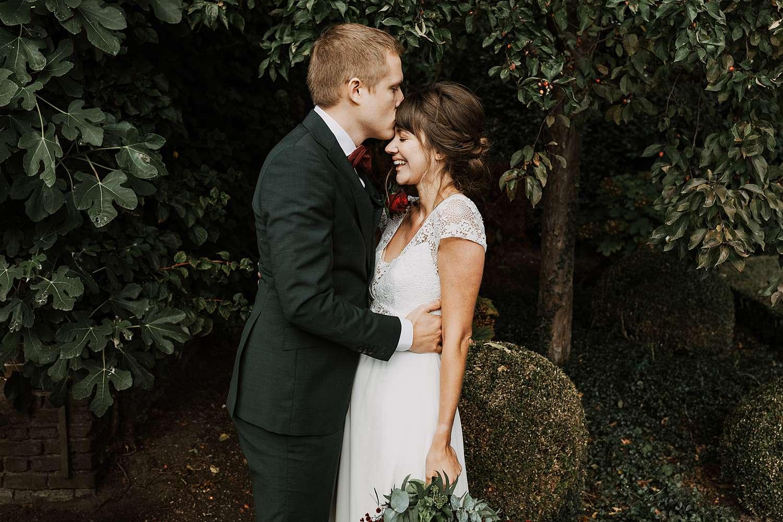 Kruidtuin Leuven bruidspaar kus