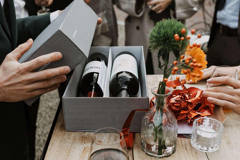 Wijn in box als cadeau huwelijk
