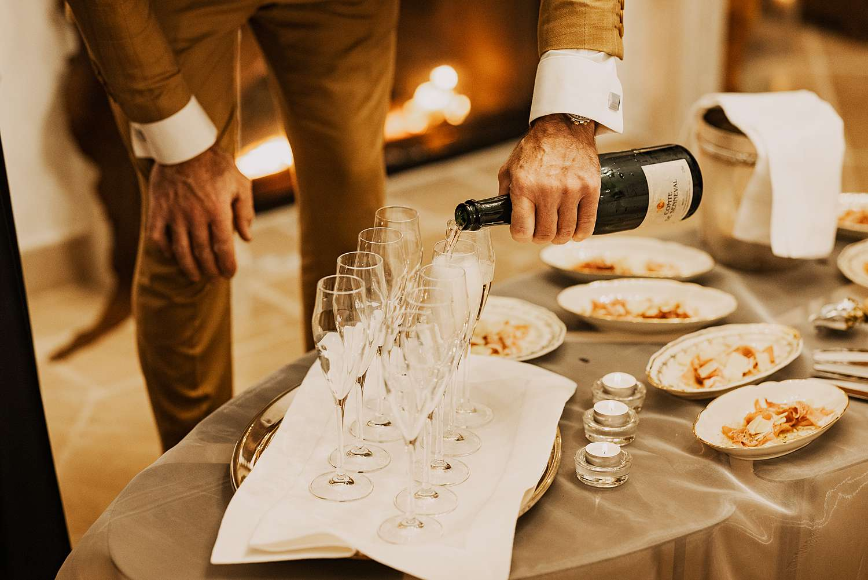 Serveren Champagne avondfeest huwelijk