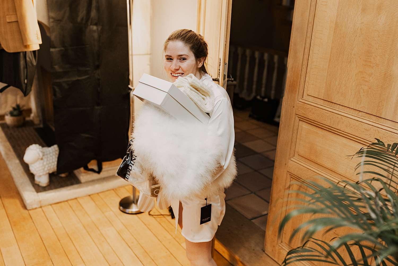 bruid voorbereiding woonkamer