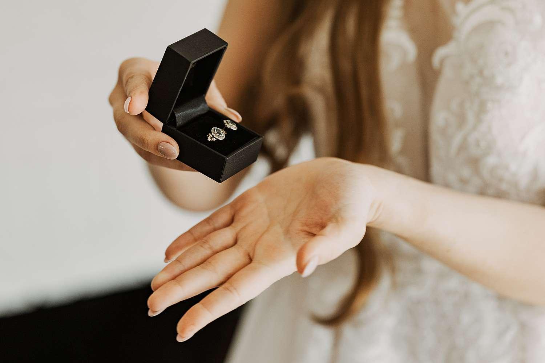 Juwelen voorbereiding huwelijk Schilde