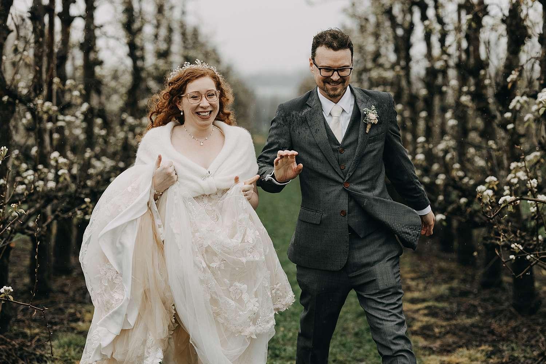 Bruidspaar in bloesems Borgloon
