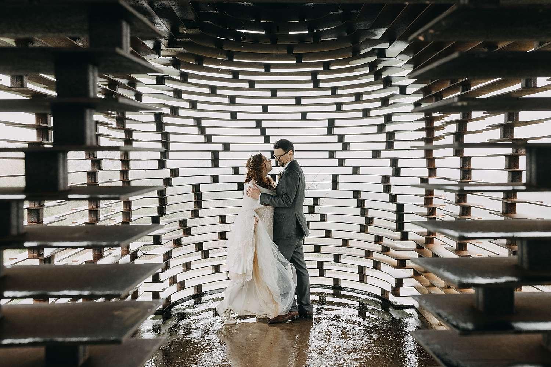 Bruidspaar in doorkijkkerkje Borgloon