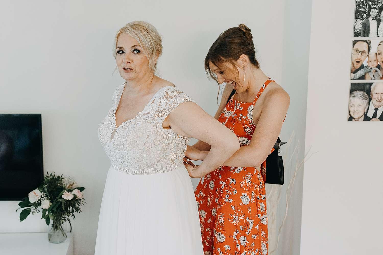 Aankleden bruid Lier
