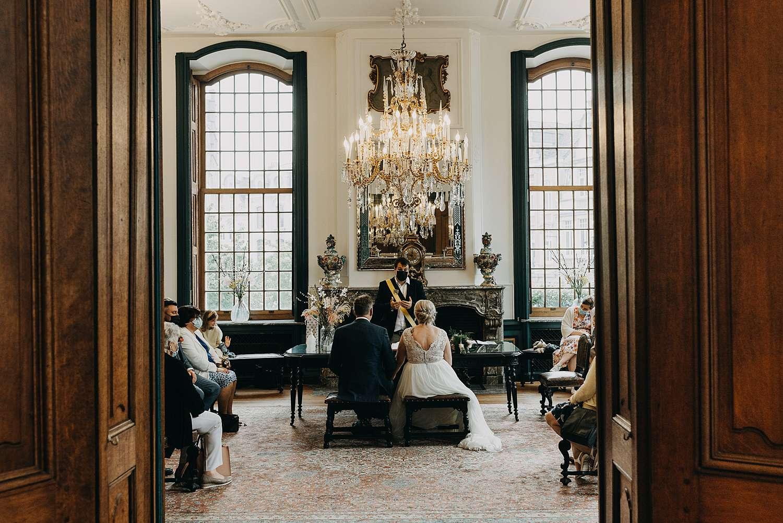 Huwelijk in het stadhuis van Lier trouwzaal