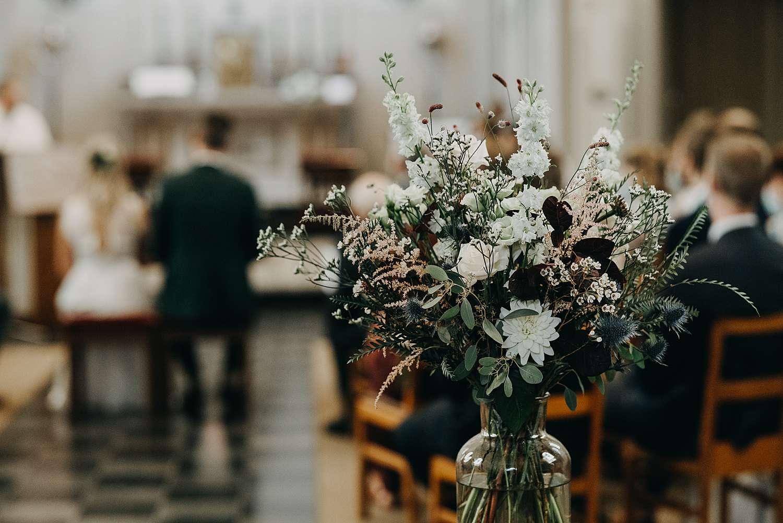 Bloemen in Sint-Pancratiuskerk