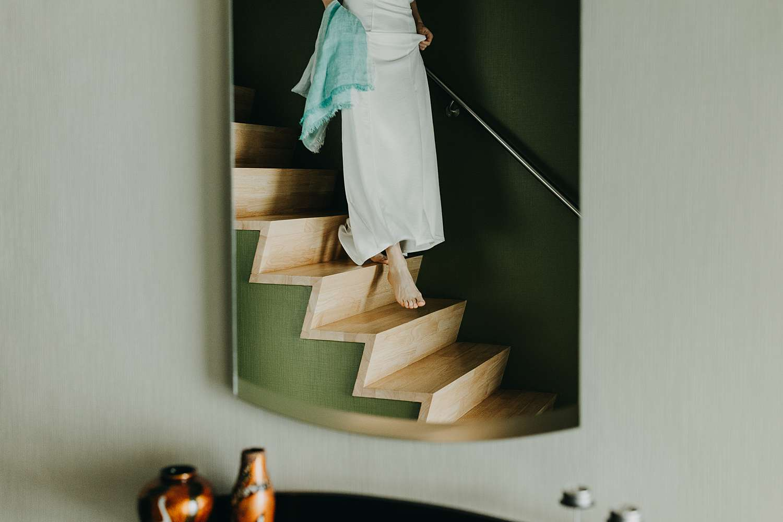 bruid komt van trap in Grimbergen