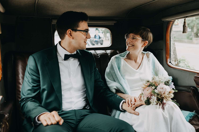 Bruidspaar in bruidswagen Grimbergen
