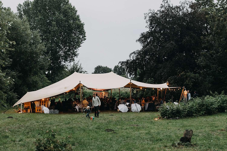 Huwelijk feesttent feest kasteel van Heks