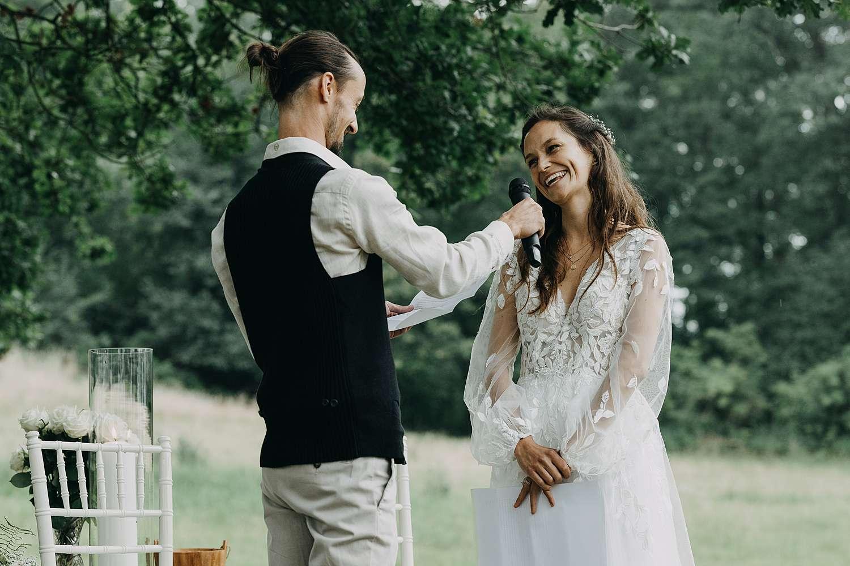 speech Bohemian hippie huwelijk buitenceremonie